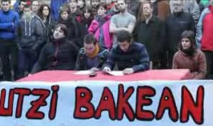 Halabideoak: Ertzaintza gaztetxean