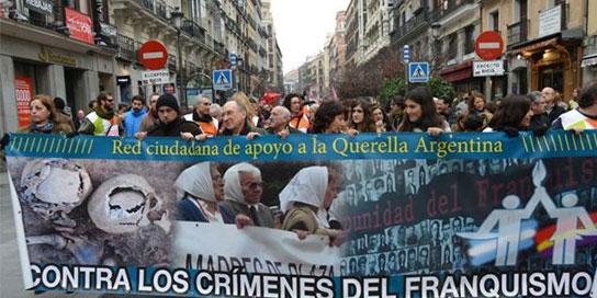 Victimas del franquismo amplian la querella argentina