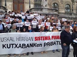 """EH Bildu denuncia la """"apropiación indebida"""" de Kutxabank por parte del PNV"""