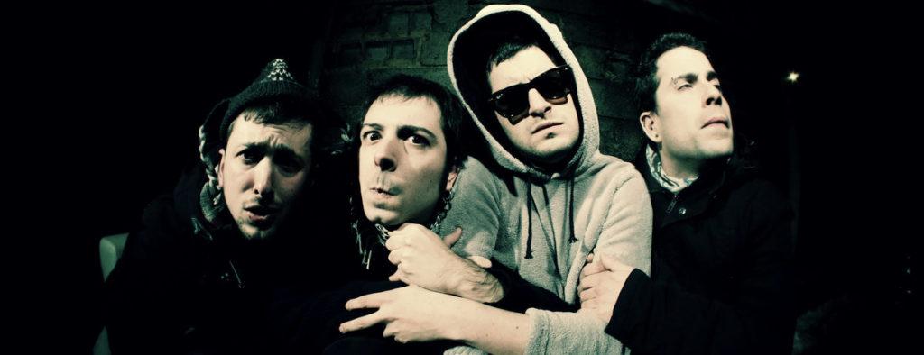 Gindi eta Yowi (D-Tox): «Punk-rocka egiten dugu patxangari diogun gorrotoagatik»