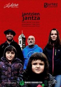 """Mikel (Jare dantza taldea): """"Berritu nahi baduzu, tradizioa ezagutu behar duzu."""""""