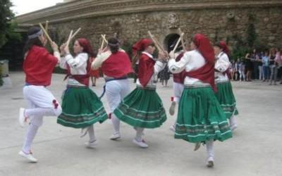 """Xabin Bikandi: """"La jota era el baile del ligoteo lascivo para la Iglesia de la época"""""""