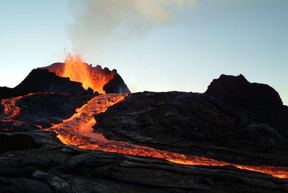 Kasakatxan 1.10: Xabier Bañuelos y los volcanes / José Eladio Santacara y sus vueltas al mundo en furgoneta