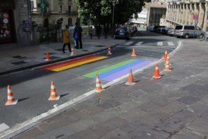 LGTBI bandera zebrabidea gasteiz (6)_content