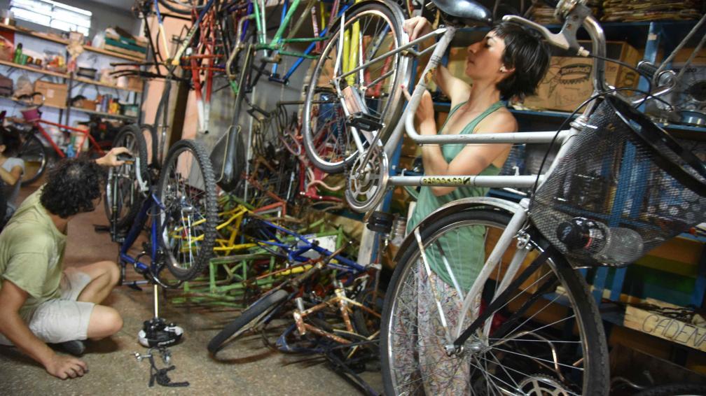 Arkillos 10 comienza el nuevo curso de talleres de arreglo de bicicletas
