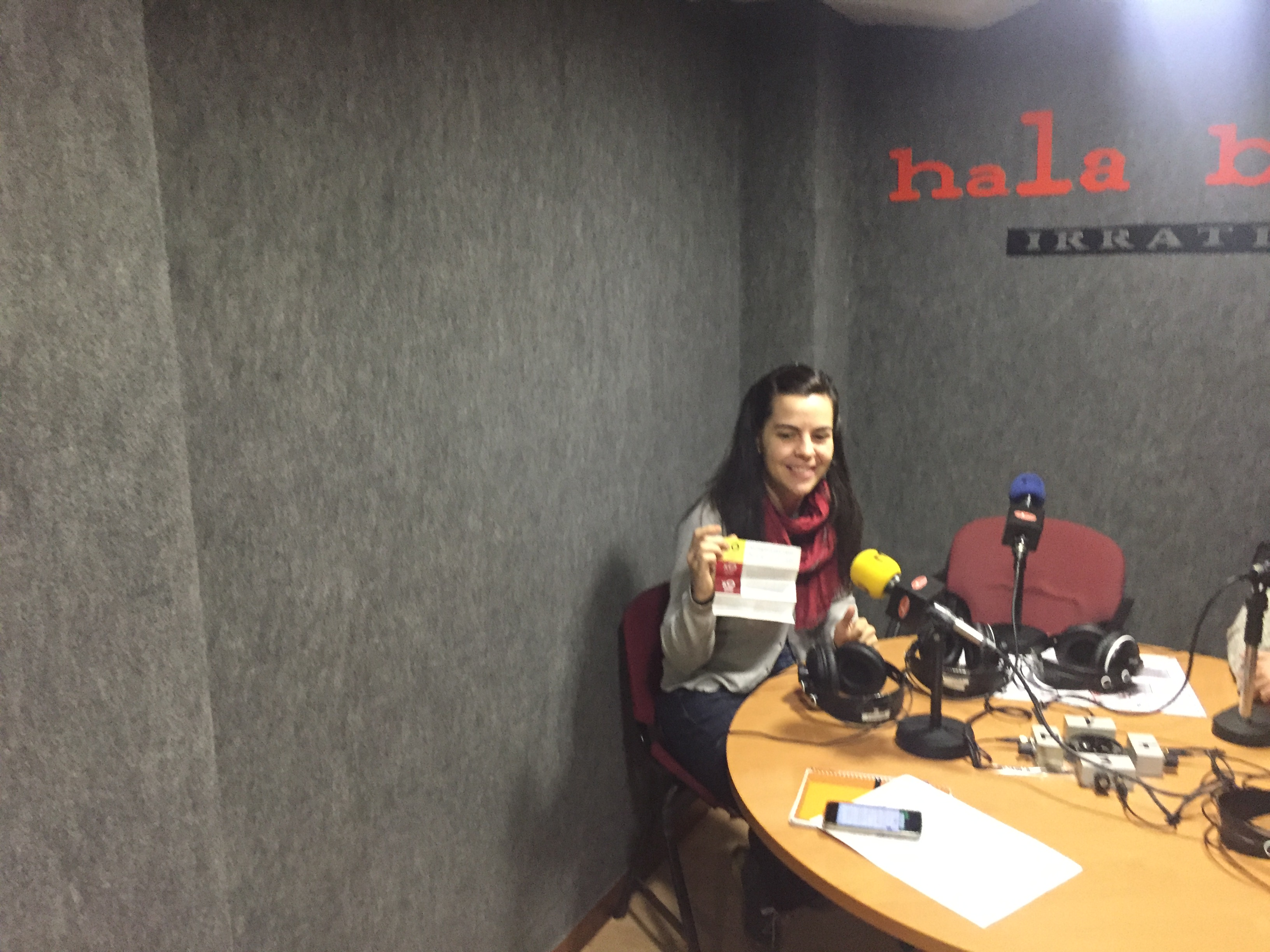 """Ainhoa  Bilbao  (Setem  Hego  Haizea):  """"Alderdi  komertziala  eta  alderdi  soziala  uztartzen  dira  X0  programan"""""""