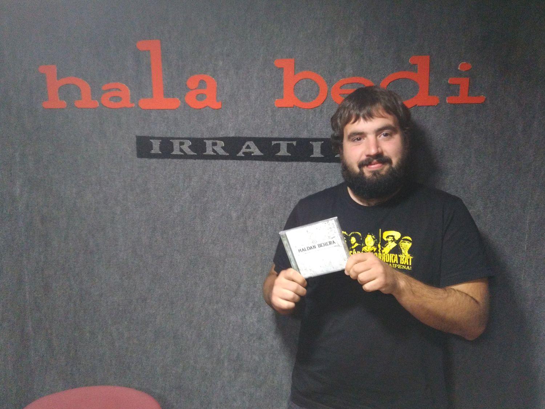 """Xabier  Lasa  (Maldan  Behera)  """"Orokorrean,  disko  alaia  da  Alfa  eta  Omega""""."""