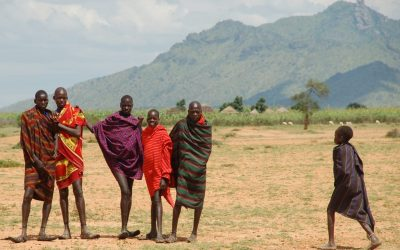 Kasakatxan 2.02: Acercamiento a las tribus de Uganda / Fotografías con género por el mundo