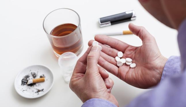 Miren (Ailaket) nos explica las interacciones entre el alcohol y varios medicamentos comunes