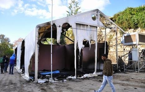 Cócteles  molotov  contra  el  campo  de  refugiados  en  Chios  (Grecia)