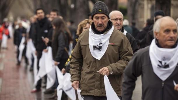 ETXERAT organiza el 10 de diciembre cadenas de pañuelos por los derechos de los presos