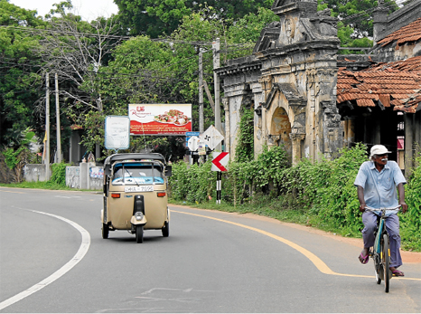 Sri  Lanka  :  siete  años  después  de  la  guerra  .