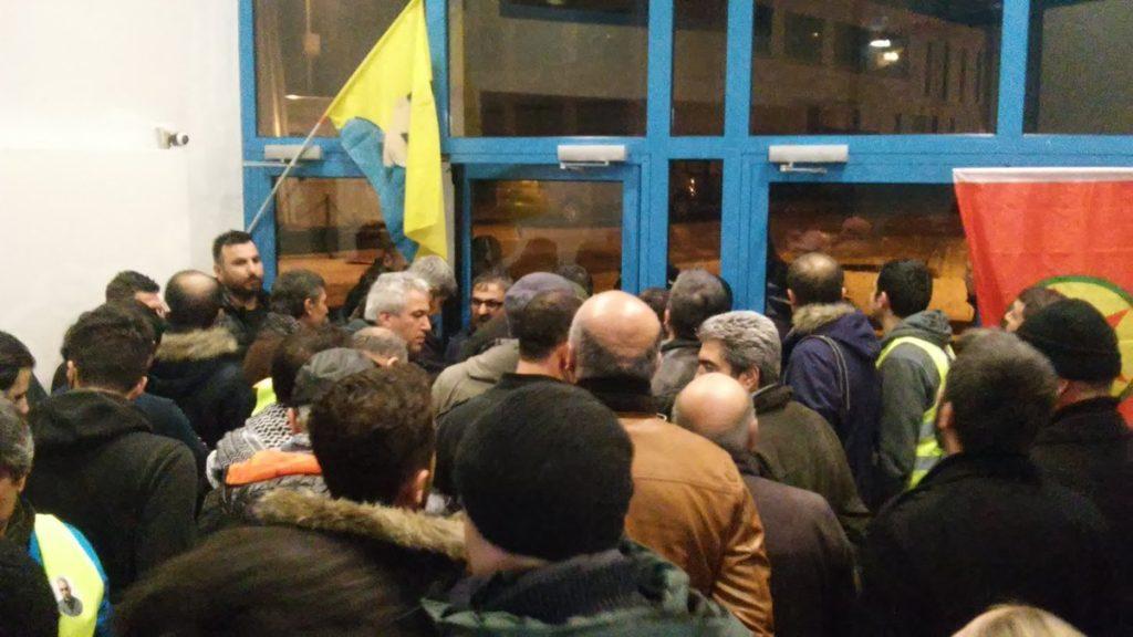 Eskuin muturreko turkiarrak Öcalanen Askatasunaren Aldeko Nazioarteko Martxa Luzea erasotzen saiatu dira