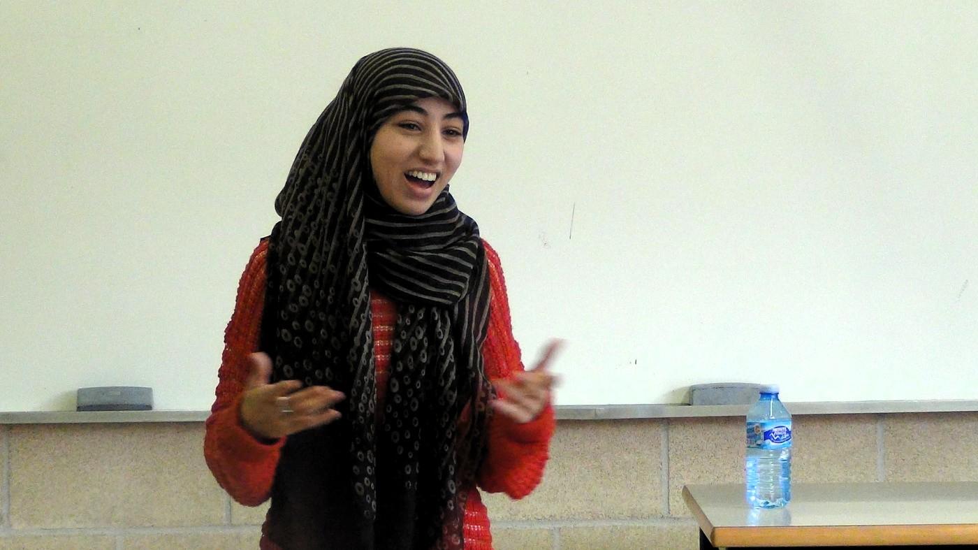 Hajar  Samadi:  «Las  mujeres  estamos  especialmente  expuestas  a  los  ataques  islamófobos  y  a  la  islamofobia  institucional».