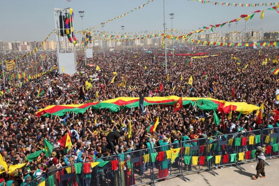 """Yashna  Artola  (Euskal  Delegazioa  Kurdistanen):  """"Eduardo  Izarzuaga  deportatu  dezakete,  baina  ez  da  batere  ziurra"""""""
