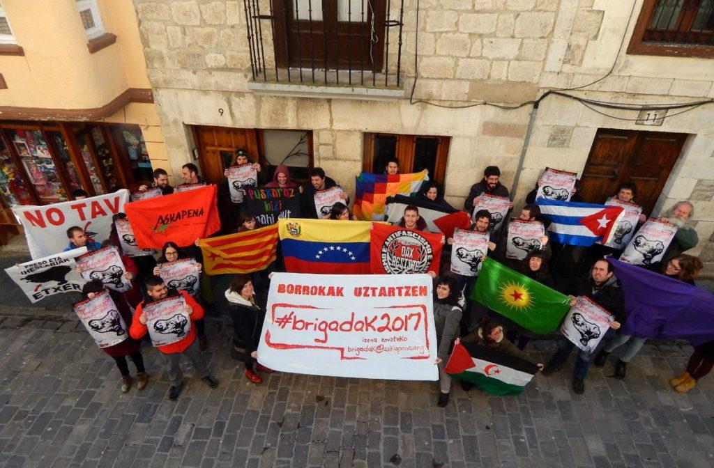 Askapena erakunde internazionalistaren brigadak aurkeztu dituzte Gasteizen