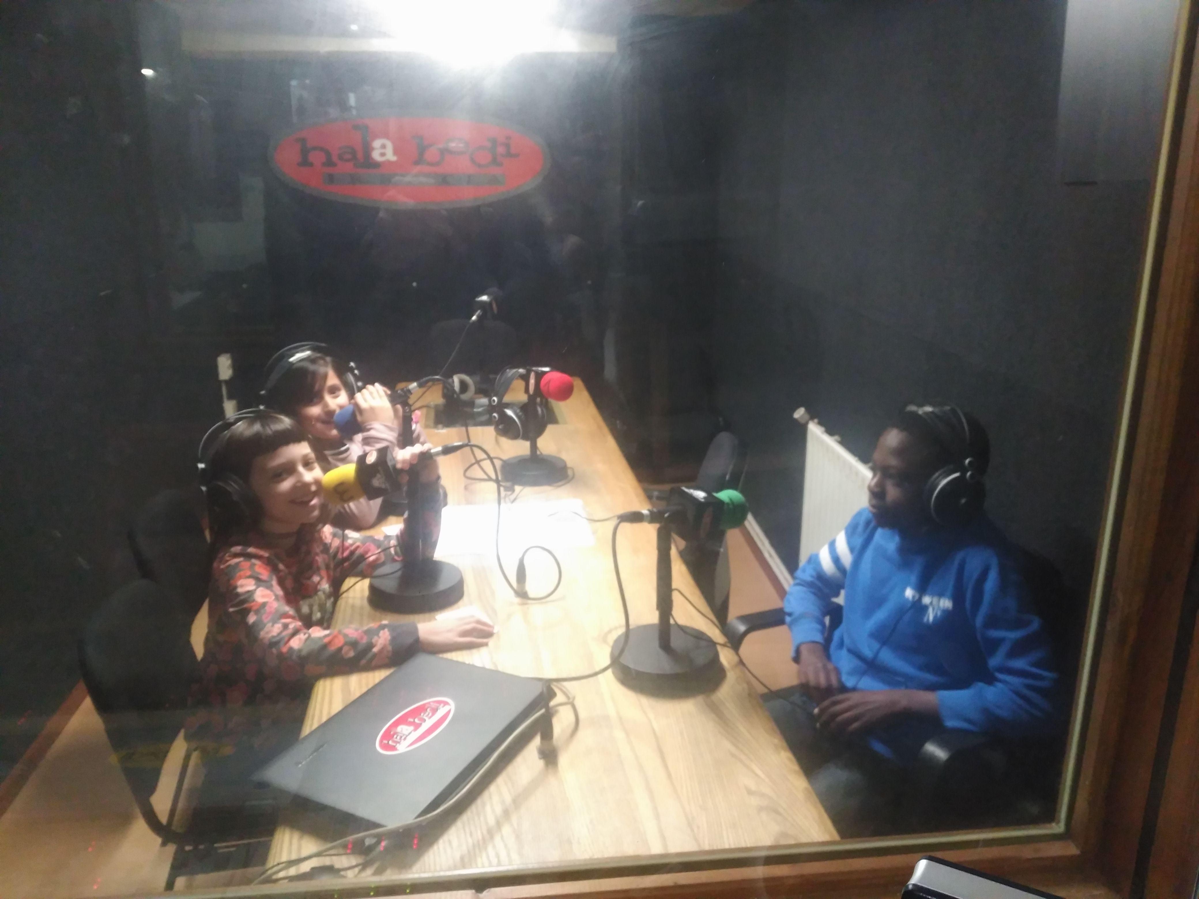 Alai  Bedi:  Maddi,  Uxue  L.  eta  Oladapo