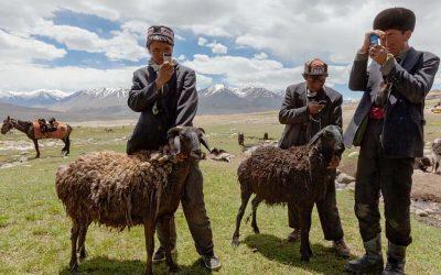 Kasakatxan,  17/02/22:  Kirguistan,  un  secreto  escondido  en  Asia  Central  y    un  viaje  musical  por  Latinoamérica.