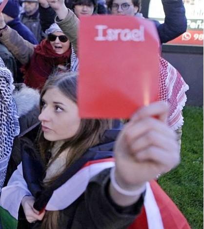 Uhintifada 287: El pueblo de Xixon le saca la tarjeta roja a Israel.