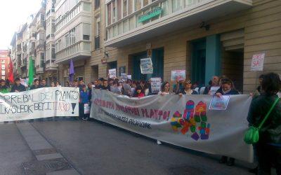 """Samuel  Pasandin  (Ikasle  Abertzaleak):  """"Eusko  Jaurlaritzaz  gain,  ikastetxe  asko  ere  ari  dira  tranpetan  errebalidetako  azterketekin"""""""