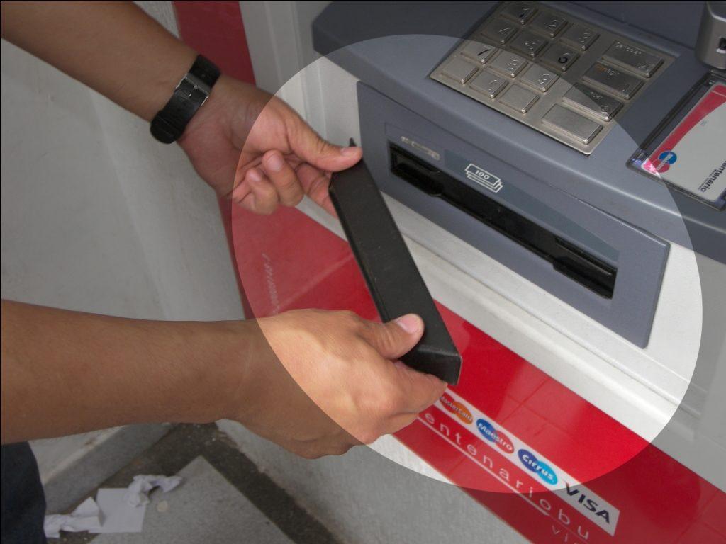 EKA nos advierte sobre el uso de los cajeros automáticos