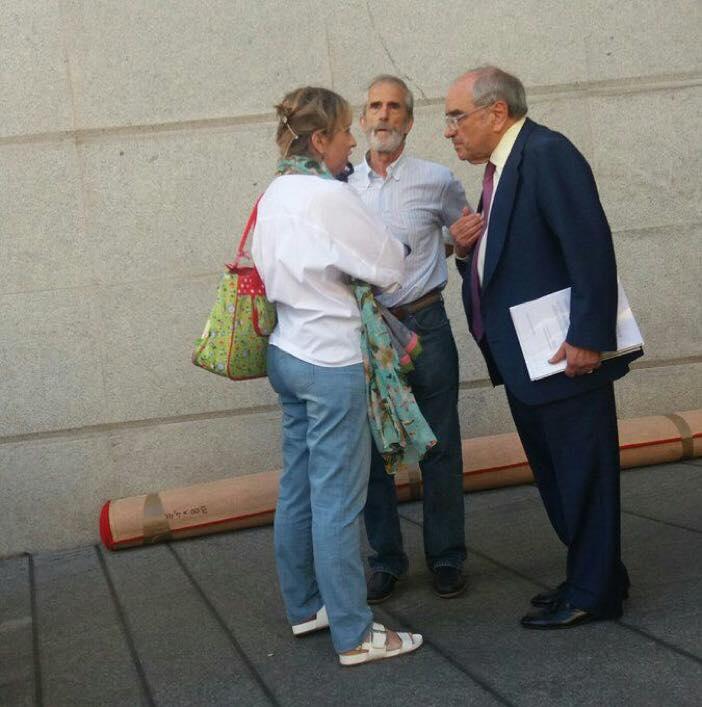 Las  víctimas  del  3  de  Marzo,  frente  a  frente  con  Martín  Villa
