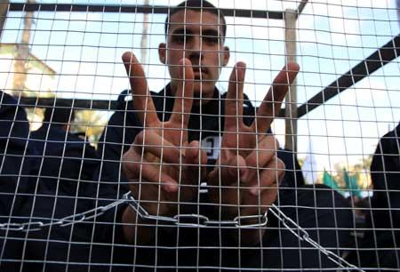 Uhintifada  290:  Mussa´ab  Bashir:  «Los  pocos  derechos  que  tienen  los  prisioneros  palestinos  los  han  conquistado  mediante  huelgas  de  hambre»