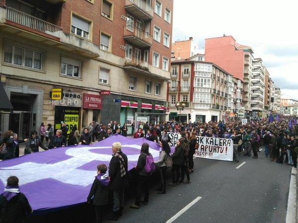 Autodefentsa  feministarekin  erantzun  zioten  Adurtzako  jaietako  eraso  matxista  bati