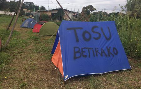 """Tosu  Betirako:  """"Animar  a  la  gente  a  que  venga  a  compartir  con  nosotras  estas  luchas,  a  defender  estas  tierras,  las  últimas  que  nos  quedan."""""""
