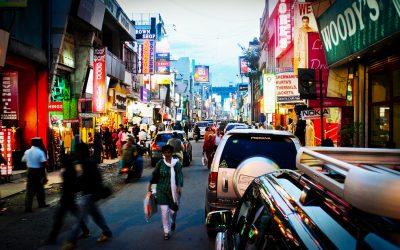 Kasakatxan 2.35: Urtzi Urrutikoetxea, pasión por contar el mundo / Markel, viviendo en Bangalore