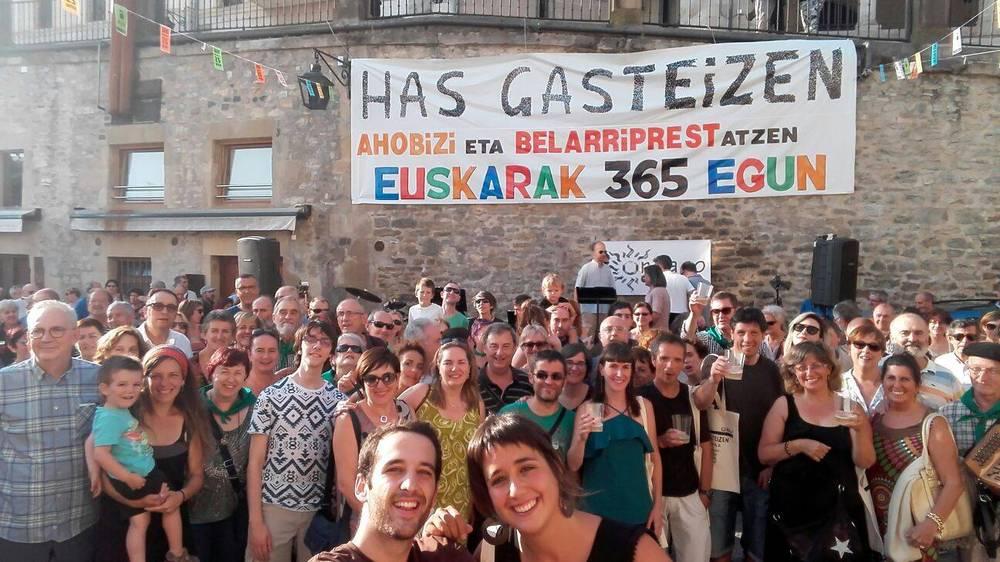 """Azaitz Unanue (GEU elkartea): """"Euskaldunaren irudi monokromatikoa ez da erreala: Gasteizen asko gara eta era eta kolore ezberdinetakoak"""""""