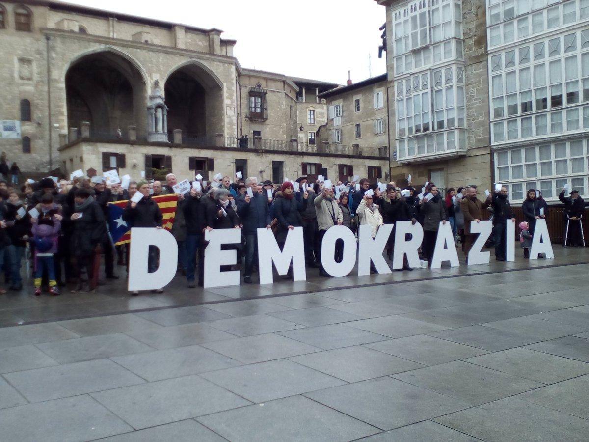 """Victor Cruz (GED-Gasteiz): """"2018ko herri-galdeketari begira, 300 gasteiztar behar ditugu lan ezberdinetarako"""""""