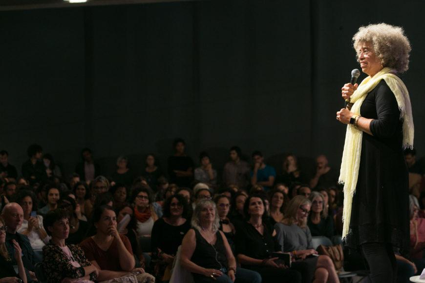 """Angela Davis: """"La esperanza revolucionaria se encuentra en las mujeres que son abandonadas por la historia"""""""