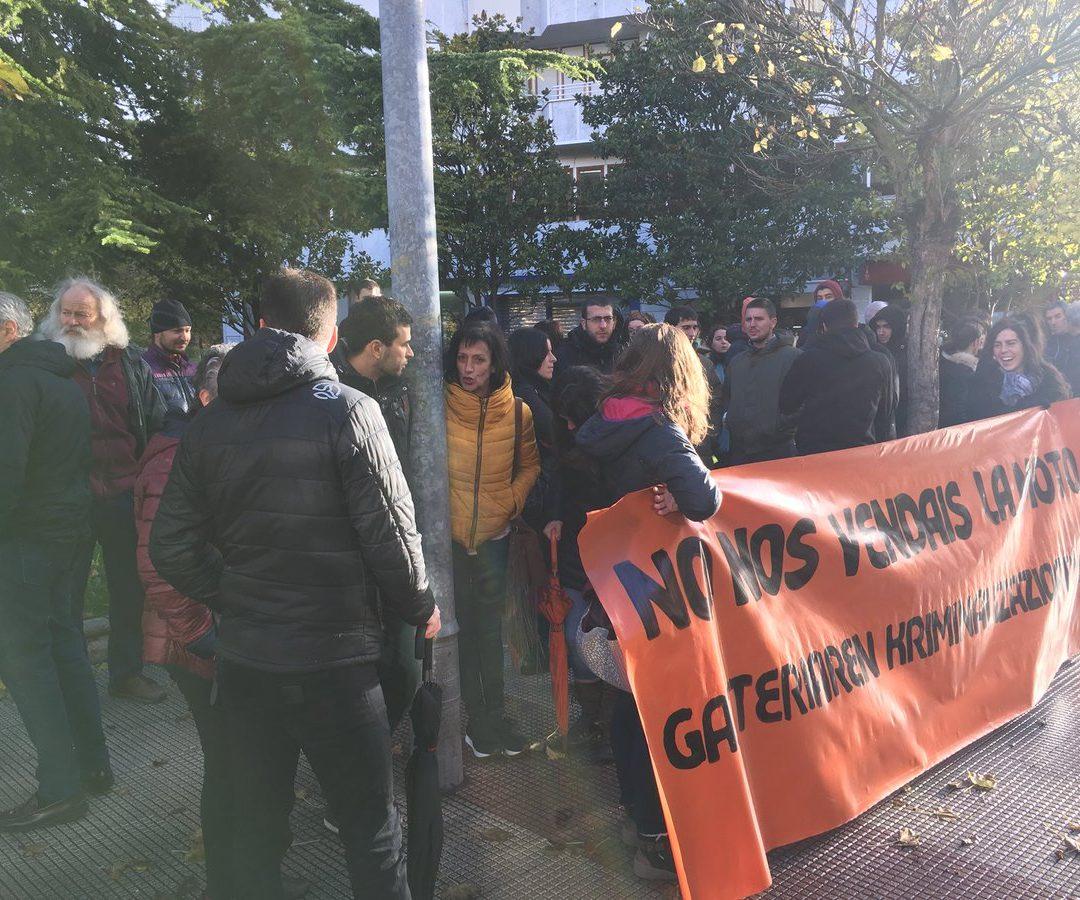 Ertzainen deklarazioen koherentzia ezak markatu du Valdorren eta Martinez de Agirreren aurkako epaiketaren lehen saioa