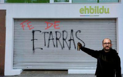 """La verdad tras la pintada de """"Etarras"""" en la sede de EHBildu… y en la de Podemos"""