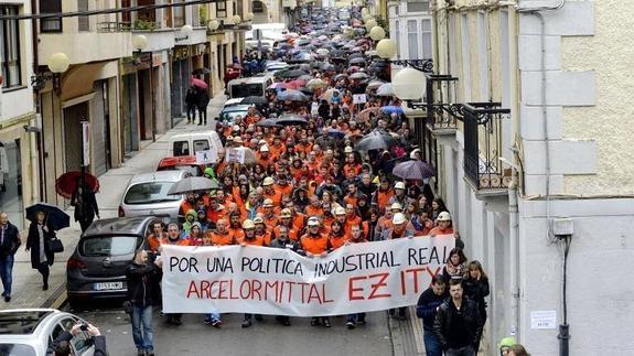 """Asier Calderón (Arcelor Mittal): """"Exigimos que tanto el Gobierno Vasco como el de Nafarroa se impliquen en este proceso social"""""""