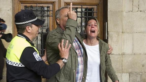 Antón Sáenz de Santamaría pide a EH Bildu la retirada de la estelada
