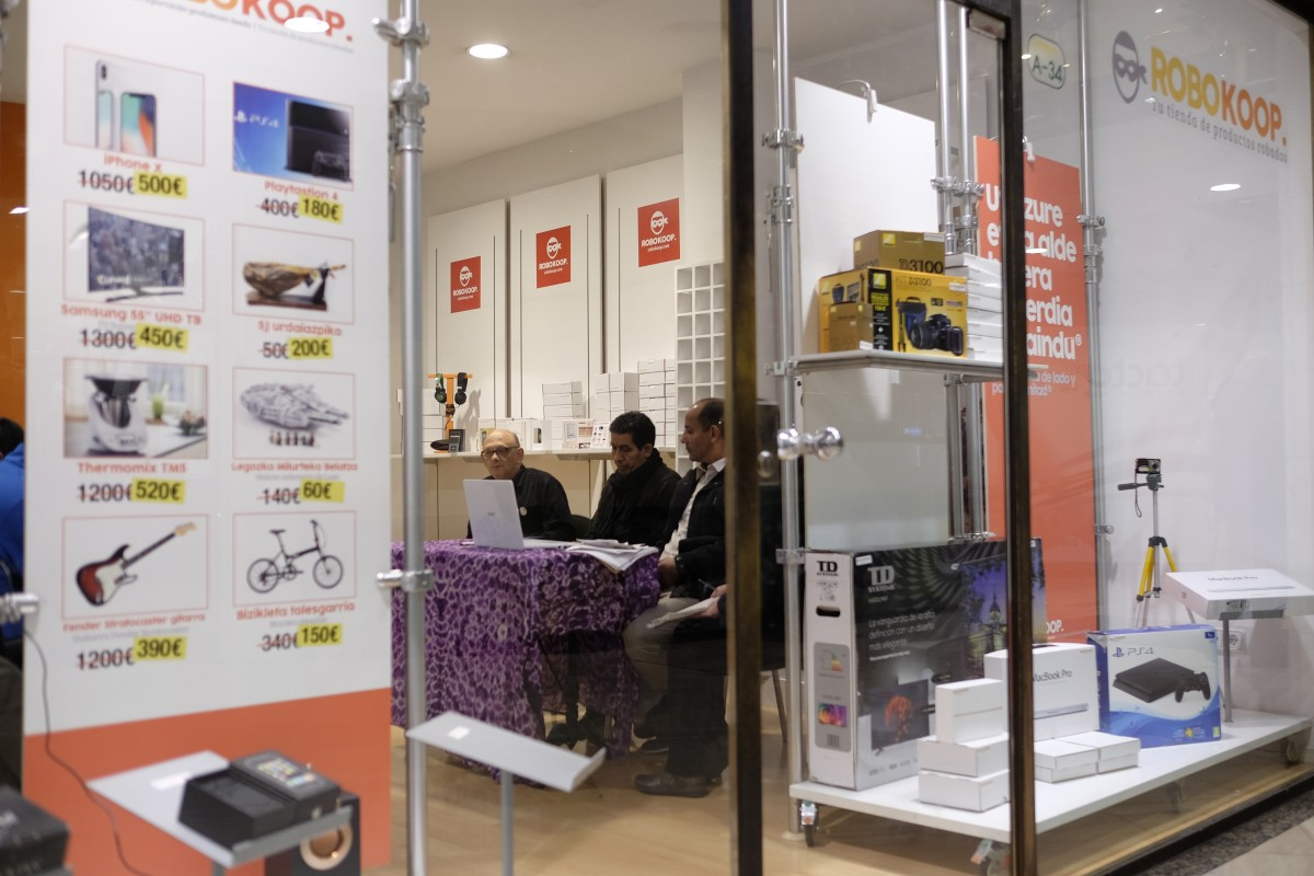 RoboKoop: eskaintza faltsuak Marokok Mendebaldeko Saharari egiten dion lapurreta handia salatzeko