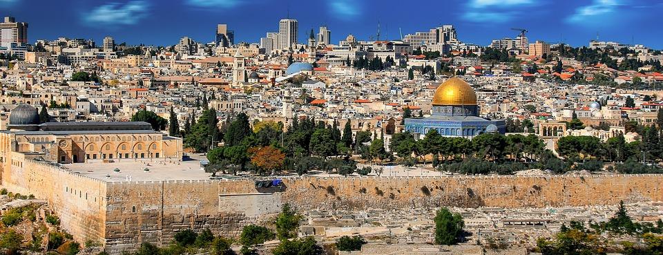 """Koldo Alzola: """"AEB da munduko herrialde bakarra, Jerusalem Israeleko hiriburutzat duena"""""""