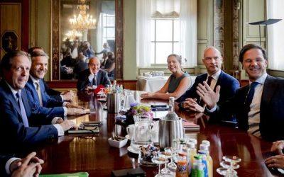 """Sebastiaan Faber: """"Tener otro gobierno de perfil centro derechista, llevará a Holanda a la liberalización y la desigualdad económica, privilegiando el gran capital sobre el gasto social"""""""