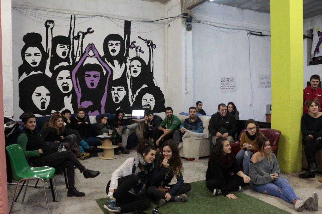 'SUmendi ON', sormena eta kultura Judimendiko gazte espazioan