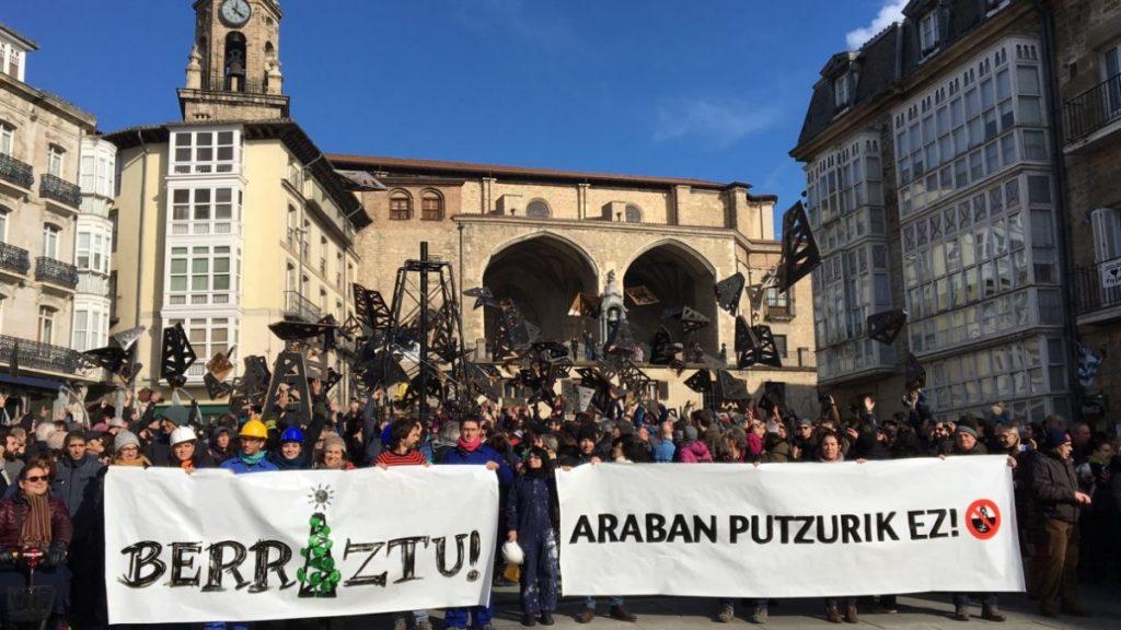 Frackingaren aurkako EAEko legearen zati bat baliogabetu du Espainiako Auzitegi Konstituzionalak