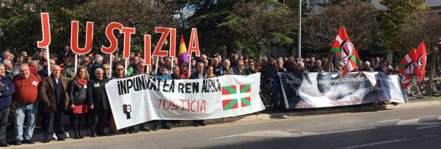 Dos reconocidos franquistas se quedan sin distinciones en Gasteiz pero sus víctimas no tendrán el merecido reconocimiento