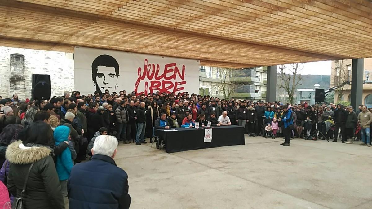 Movilizaciones, paros y coche caravanas denunciarán el montaje policial y exigirán la libertad de Julen Ibarrola