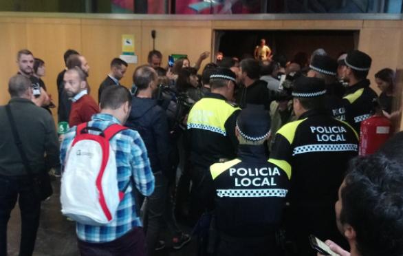 'Astindu' acusa a los policías locales de «no ser huelguistas, sino todo lo contrario»
