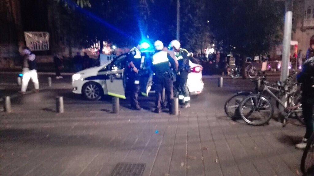 Denuncian que un Policía Municipal propinó un 'tortazo' a un menor a plena luz del día