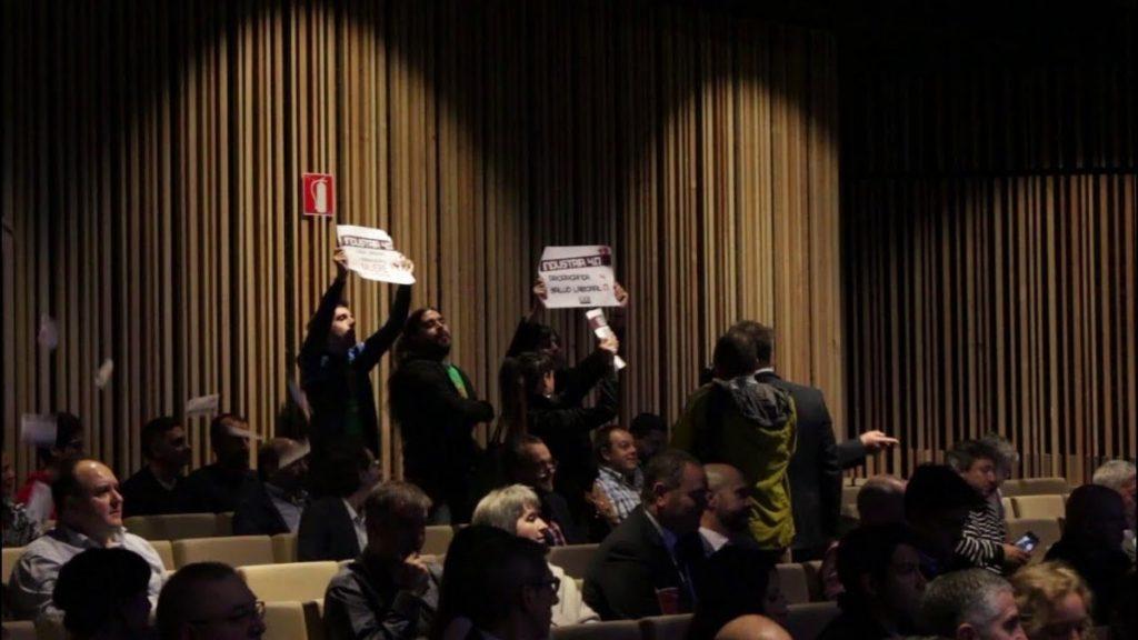 El Gobierno Vasco aplica la Ley Mordaza a cuatro miembros de LAB por detener una presentación de Urkullu