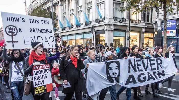 """Soledad Galiana: """"Nueve mujeres al día viajan de Irlanda a Gran Bretaña para poder acceder a un derecho básico de las mujeres, el aborto"""""""