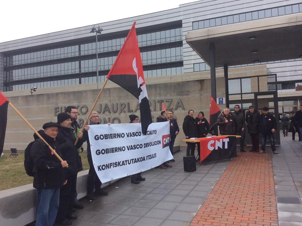 Exigen al Gobierno Vasco la devolución de la rotativa del periódico 'CNT del Norte'