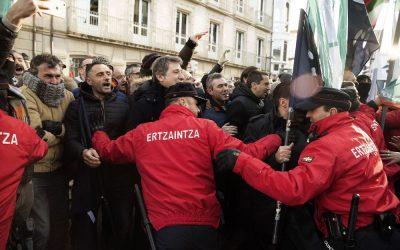 Hala Bedi y la Ertzaintza unirán fuerzas contra la Ley Mordaza